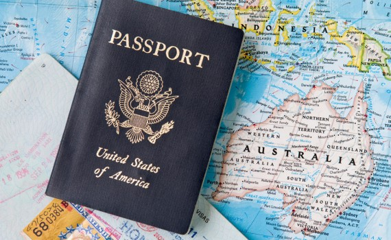 american-expats-working-abroad-570x350